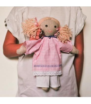 babika-lucinka-rucne-robena-hracka-textil